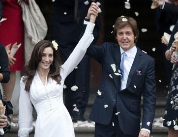 ثروة بول مكارتني تتخطى المليار بعد زواجه من نانسي شيفيل