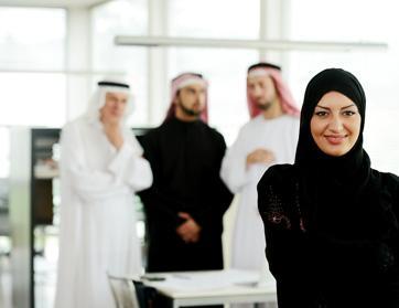 الإماراتيات تتصدرن قائمة السيدات الأكثر تأثيراً في القطاع الحكومي