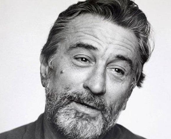 ممثل مشهور جدًا حمَل في طفولته لقبًا مُرعبًا... من هو؟
