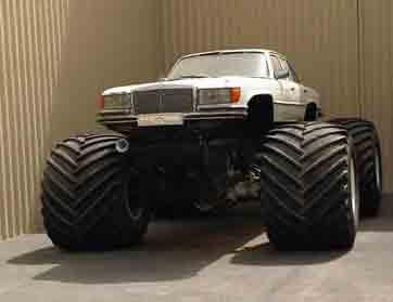"""صاحب """"قوس قزح"""" يضيف سيارة مرسيدس W128 إلى مجموعته"""