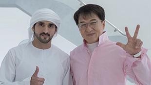 شخصية عالمية تلتقي ولي عهد دبي وتلتقط صورة تذكارية معه... شاهد الصورة