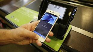 اضغط لمشاهدة الفيديو: إطلاق خدمة Apple Pay للمستخدمين في أرجاء المملكة العربية السعودية