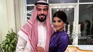 بالفيديو: رجل الأعمال السعودي غيث العزب وزوجته علا فرحات على شاطئ البحر