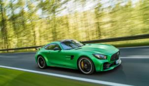 """سيارة GT R الجديدة من مرسيدس-AMGأيقونة وُلدت من قلب """"الجحيم الأخضر"""""""