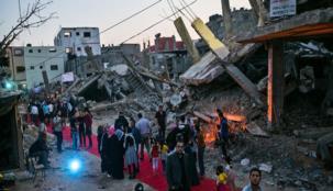 """على غرار مهرجانات كان ... """"كرامة غزة"""" سجادة حمراء للناس"""