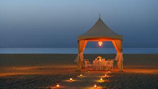 رومنسية وشموع في الريتز-كارلتون، دبي في 14 فبراير