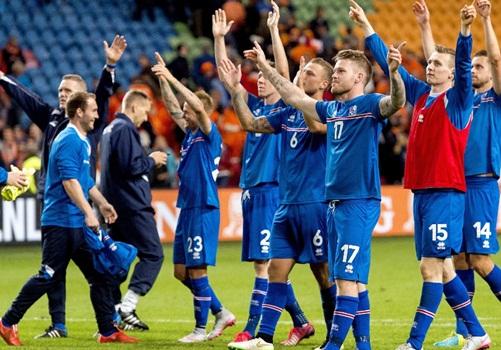 """بالصور.. احتفالات رائعة لمفاجأة اليورو """"منتخب ايسلندا"""""""