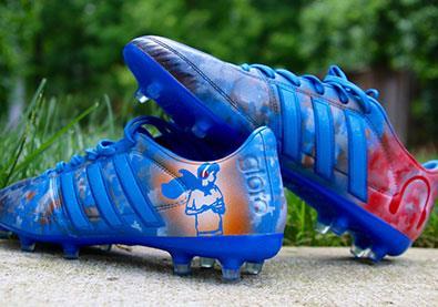 """حذاء """"خيالي""""... يتغيّر لونه عند تعريضه للماء والحرارة!"""