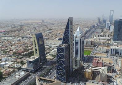 السعودية تقر منح تأشيرات تجارية سريعة من ثلاث فئات