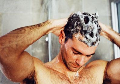 الفرق بين الاستحمام بالماء البارد والماء الساخن ... أكتشف أيهما أفضل لك