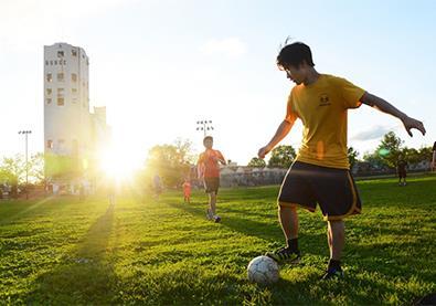 دراسة تؤكد: كرة القدم مفيدة للقلب وضغط الدم
