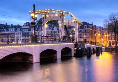 بالصوَر، هولندا.. حيث يقطن الحب والأمل والجمال