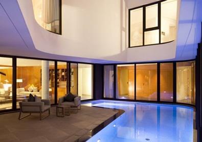 في الكويت منزلٌ يُضاهي مساكن العالم جمالًا
