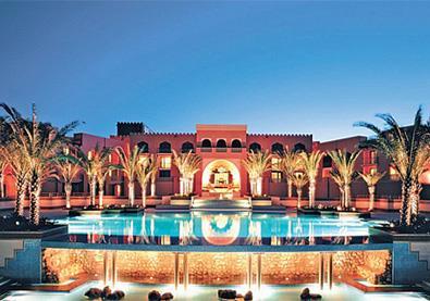 وجهة سياحيّة مذهلة في أبوظبي لا بدّ من أن تزورها قريبًا