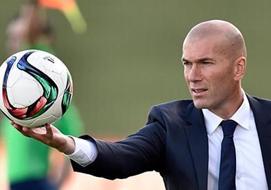 أشهر 14 لاعب كرة قدم أصبحوا مدربين محترفين