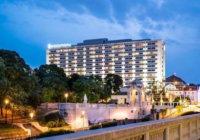 شاهِد بالصوَر واحد من أجمل فنادق العالم