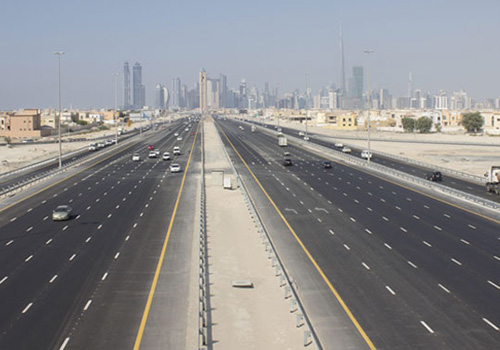 إطلاق اسم «الشيخ محمد بن راشد» على طريق أبوظبي ــ دبي الجديد