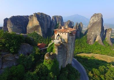بالصوَر، مدينة يونانيّة تفترش الأرض صخرًا