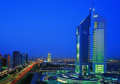 أبراجٌ خاطفة للأنفاس تعانق السّماء في دبي
