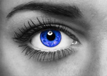 امرأة إنجليزية تمتلك نوعاً إضافياً من الخلايا المخروطية في عينيها!
