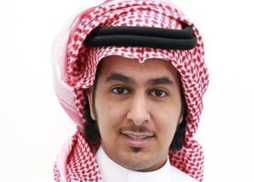 طالب سعودي يحتفل بتخرجه على طريقته الخاصة... ورجال الأمن يلاحقونه