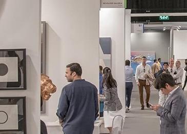 """""""آرت دبي 2018"""": لمَاذا يعتبر فعالية مثلى لهواة جمع الأعمال الفنية المبتدئين والمخضرمين؟"""