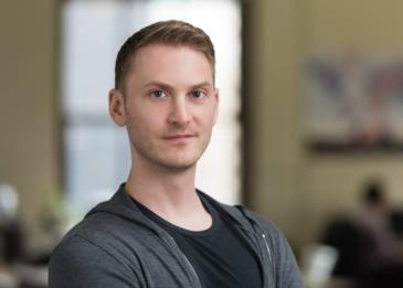 هكذا أصبح تيم جونيو محققاً إلكترونياً يحمي أكثر من 500 شركة