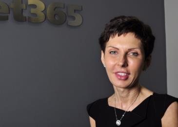 قصة المديرة التنفيذية المذهلة التي منحت نفسها 200 مليون دولار هذا العام