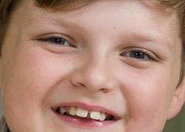 هذا الصبي رائد الأعمال يكسب ألف إسترليني أسبوعياً!
