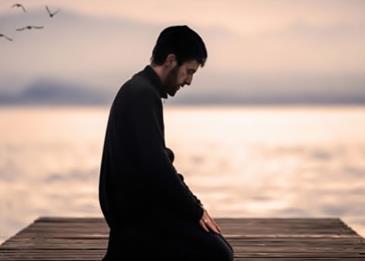 5 أشياء تتشابه فيها اليوجا مع الصلاة... تعرف إليها