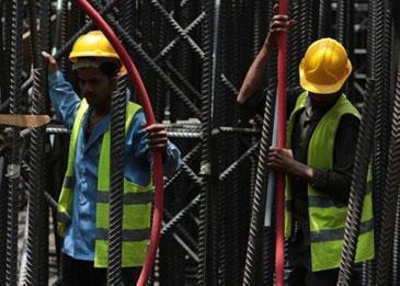 تعديل مهن 800 ألف عامل أجنبي في السعودية بـ 3 سنوات