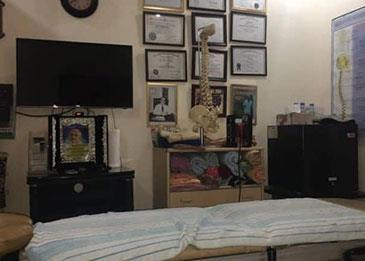 في جدة ... طبيب مزيف يستغل المرضى 15 عاما في عيادة وهمية بجدة
