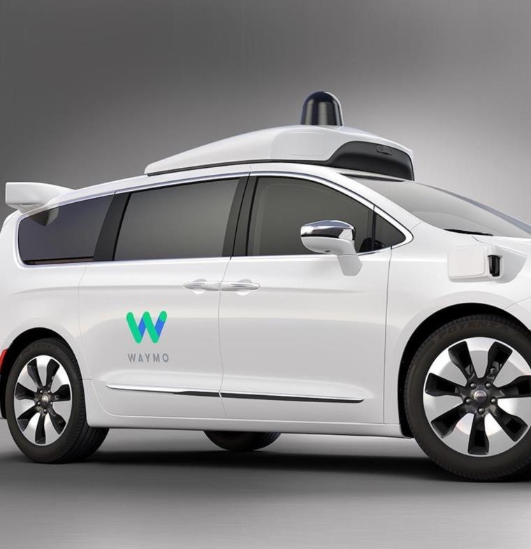 Waymo التابعة لجوجل تبدأ خدمة سيارات الأجرة الآلية في فينكس خلال أسابيع