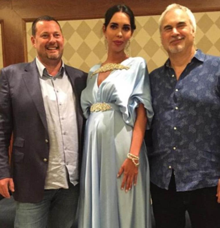 جثري روسي يعقد قرانه على خطيبته عارضة الأزياء في حفل زفاف أسطوري
