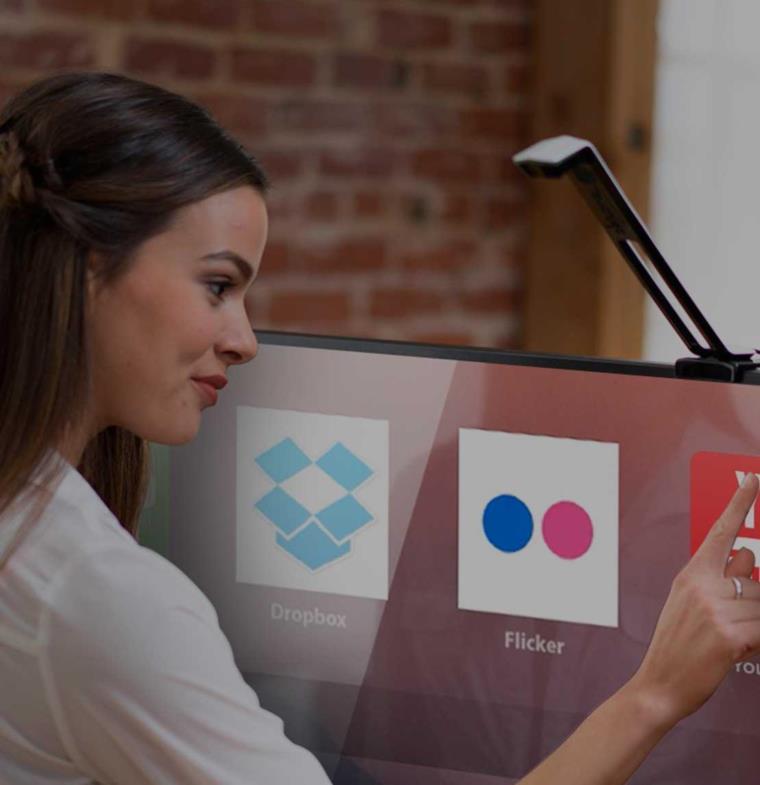 """جهاز """"بمفعول سحري"""" يحوّل شاشات التلفاز العادية إلى شاشات ذكية تفاعلية!"""