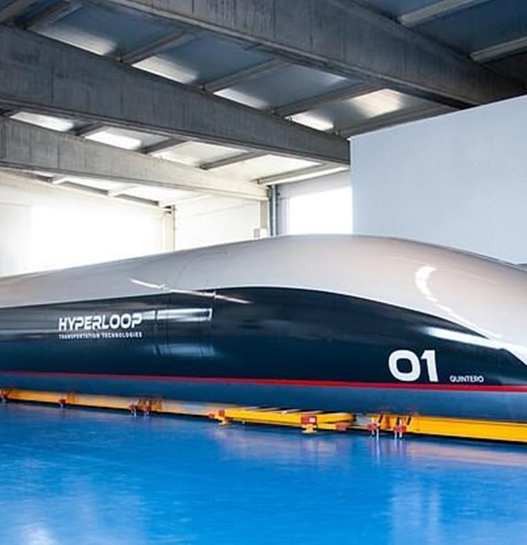 ستنطلق بحلول عام 2019... هايبرلوب تكشف عن أول مركباتها في إسبانيا