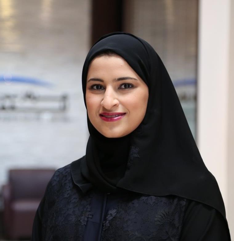سارة الأميري، وزيرة إماراتيّة شابّة حلّقت ببلدها نحو الفضاء