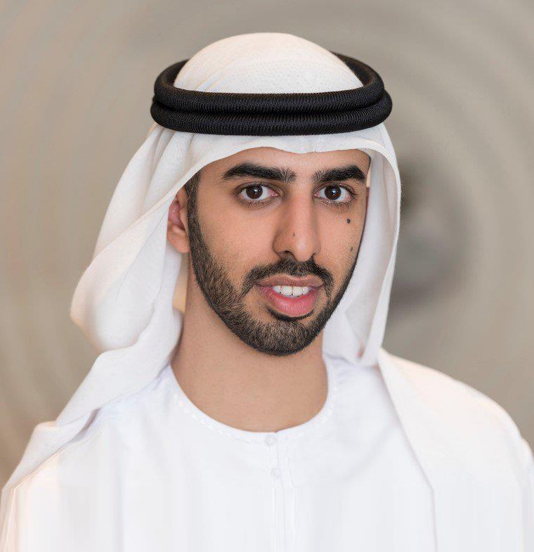 عمر بن سلطان العلماء، وزير إماراتي شاب أذهل العالم بذكائه