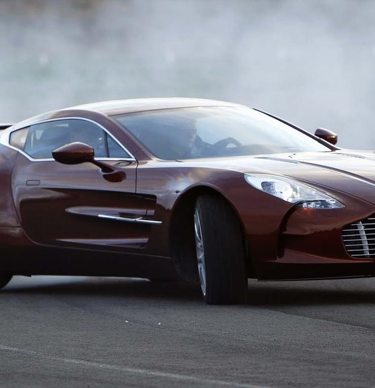 كيف تمتلك واحدة من أندر السيارات الخارقة في العالم !
