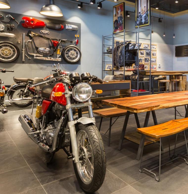 دبي .. جولة في مقهى Möto لمحبي الدراجات البخارية