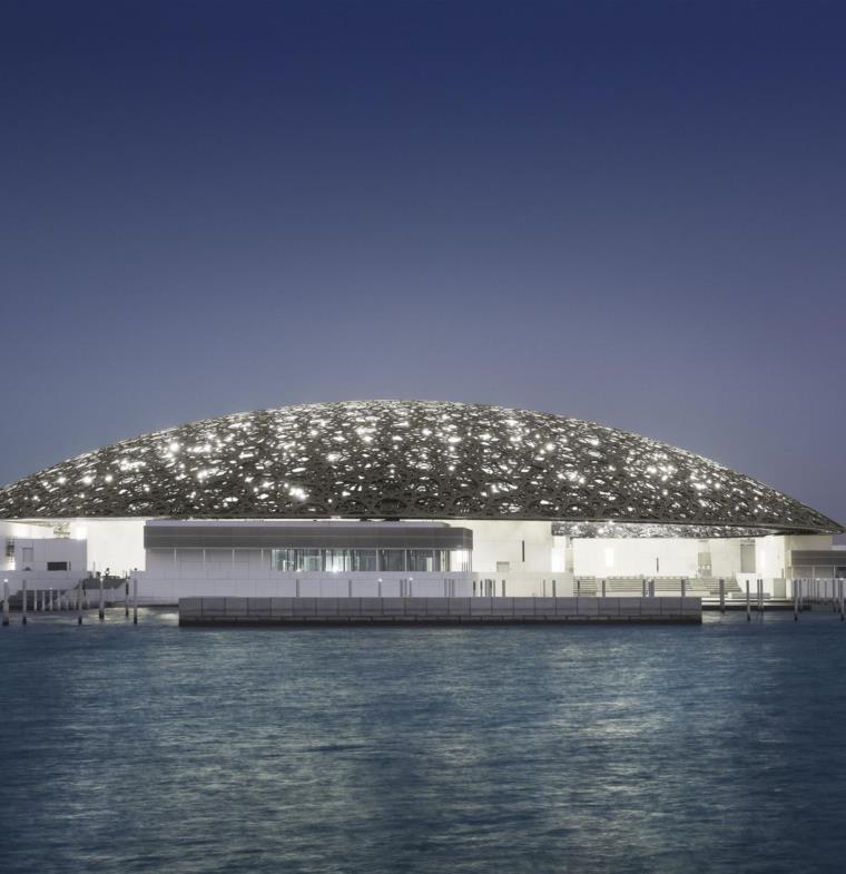 التحضر لافتتاح متحف اللوفر أبوظبي الرائع بحضور ايمانويل ماكرون