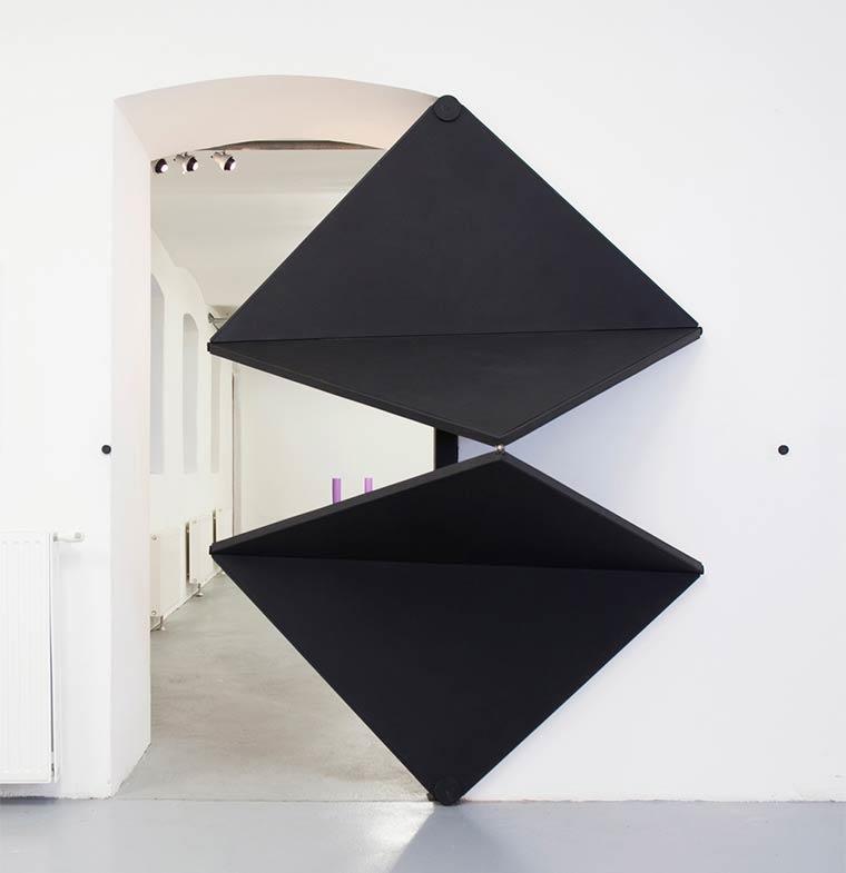 أبواب عصرية ستضفي لمسة فنية على منازلكم... آلية عملها ثورية