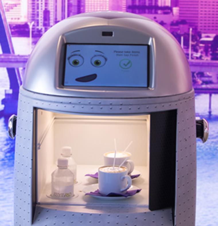 تعرفوا إلى Techi الرجل الآلي التفاعلي لخدمة نزلاء الفنادق
