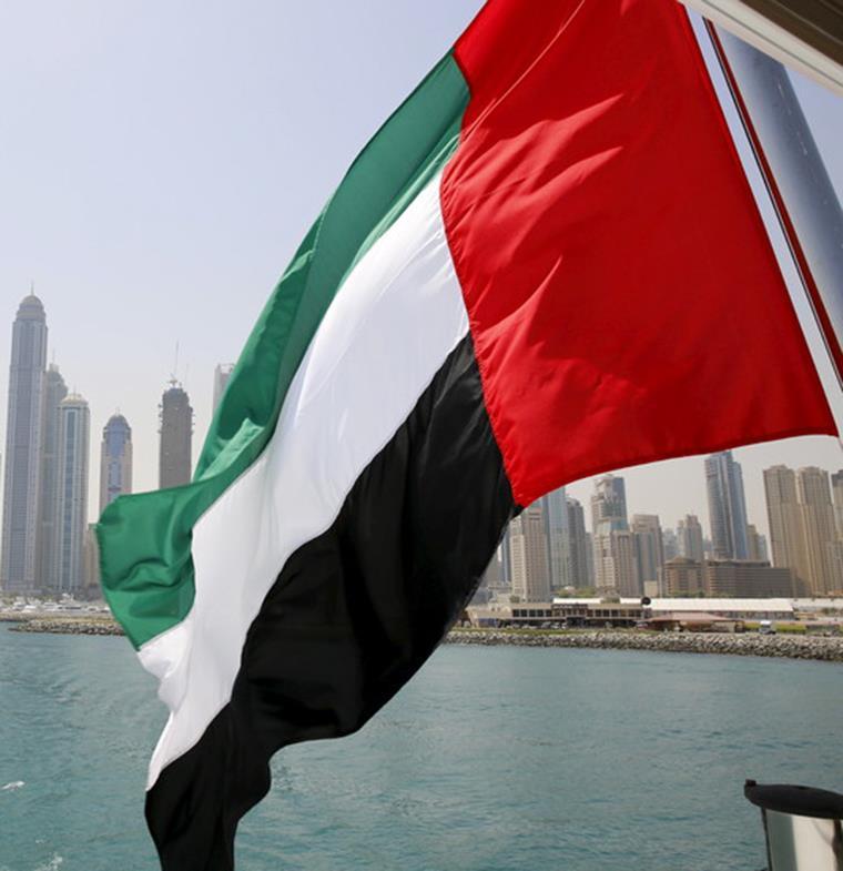 في حال مغادرة الإمارات... تأشيرة الإقامة المؤقتة لـ 6 أشهر تصبح لاغية