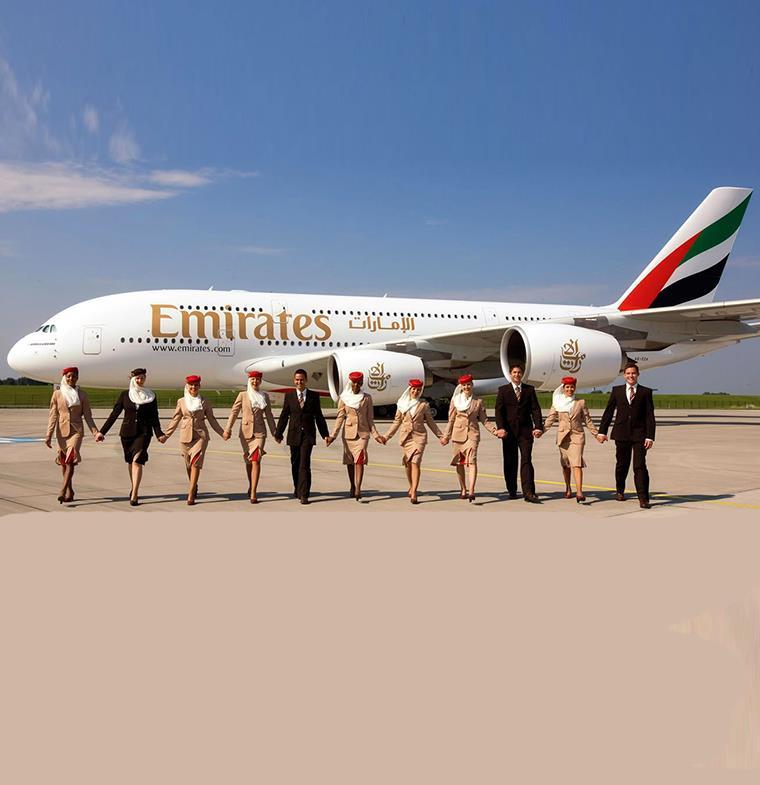 """""""طيران الإمارات"""" تتيح خدمة إنهاء إجراءات السفر من المنزل"""