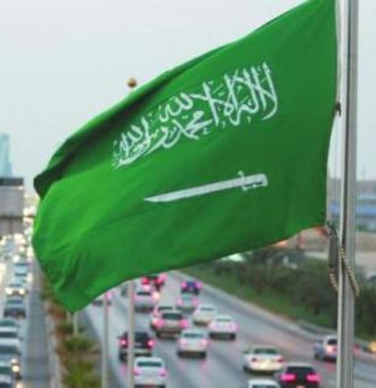 تمديد صلاحية تأشيرات العمل بالسعودية لسنتين بدلًا من سنة بدون رسوم