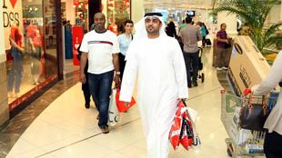 """حدث """"مفاجآت صيف دبي2012"""" يسهم في تنشيط الأسواق"""